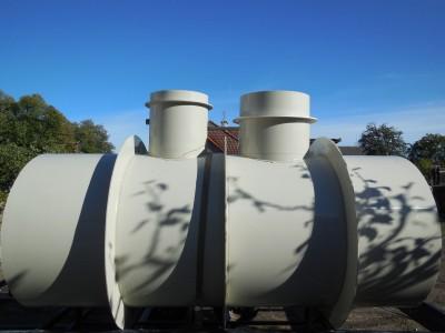nádrž na dešťovou vodu s boxem na čerpadlo